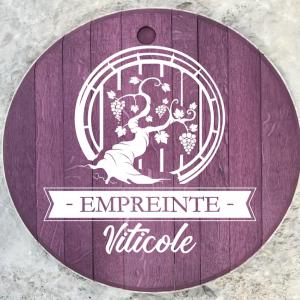 Recyclage de tonneaux, futs de vin à recycler en produits de terroir